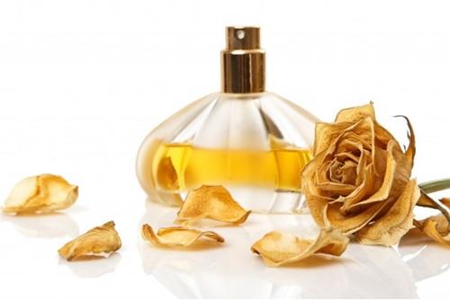 [عکس: vial-perfume-dry-rose-flower-144962-2191_w500_h500.jpg]